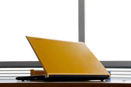 铝镁合金轻薄享受 同方商务笔记本简评