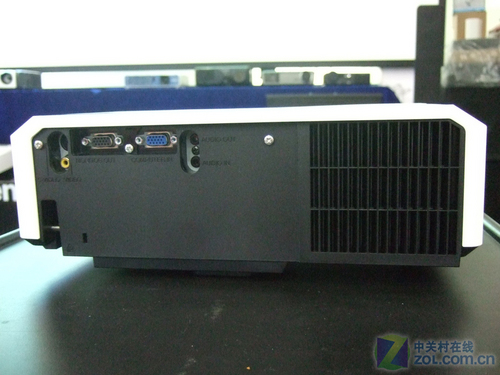4000流明 日立工程投影机仅售14800元