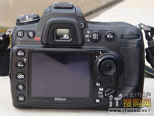 尼康D300s配备3.0英寸92万像素液晶显示屏,高像素为回放以及实时图片