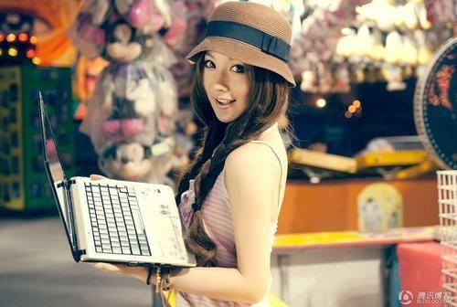QQ幻想世界三大美女出席腾讯游戏嘉年华