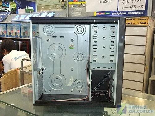 经济适用型硬件 稳固绝尘盾机箱158元