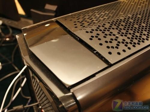 外星PC会呼吸 Alienware最强款抢先看