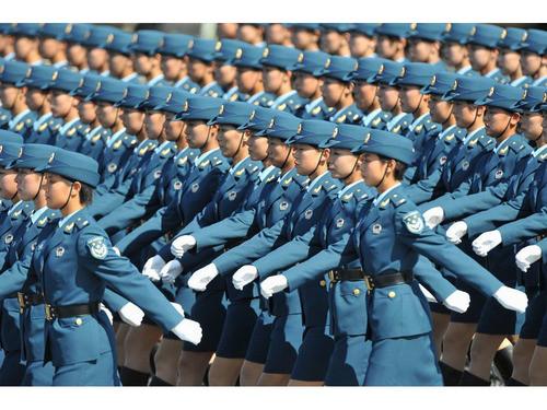 60年国庆阅兵女兵风姿壁纸