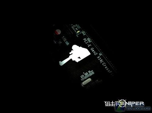 四方面升级 狙击手790gx也能开四核了