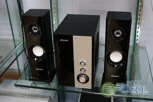 山水gs-6000(62b)音箱箱体为全木质手工结构,有两个大容积的箱体和一