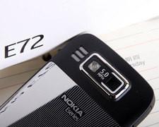 诺基亚E72全键盘+光学触摸板 时尚纤薄