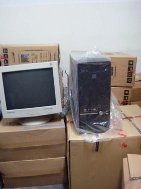 又收到1700元爱心捐款和6台电脑