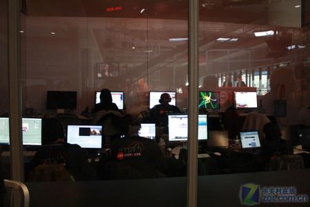 ces 2010:cnet视频演播中心媒体专访