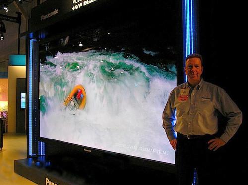 152吋3D高清电视曝光 松下玩超大PDP