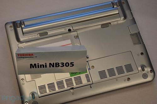 搭配450处理器 东芝NB305新上网本实机