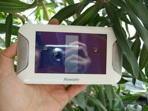 综合性能最强的MP3 纽曼ManMan A8HD 8GB