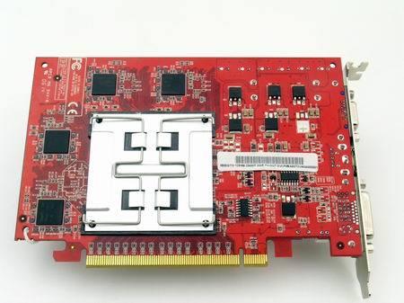 艾尔莎数月前推出的X80GTO钛金版2,以其超强的性能,稳定的表现,超高的核心频率和顶级显存搭配,深受广大消费者地青睐,一统千元以下市场。X800曾经A卡中高端卡的代名词,显卡中的贵族,如今竟然把价格直杀至699,性价绝对超值!     显卡采用红色的PCB板,高达八层的PCB板,超频性能、电气性能和屏蔽性能更好;PCB板采用免洗松香的清洗,无腐蚀性,艾尔莎遵循ISO 9001/ISO 14001/OHSAS 18001等国际认证,已经全面采用更加环保的免洗技术,使得显卡具有更好的电气性能,更好的屏蔽