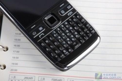 最薄全键盘商务手机!诺基亚e72仅2200元