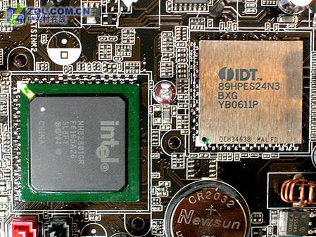 硕P5W64 WS PRO板载芯片-华硕顶级TEAM研发 四PCIE怪兽975X