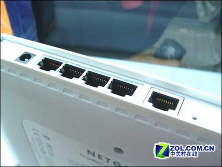 网件108M无线路由器WPN824