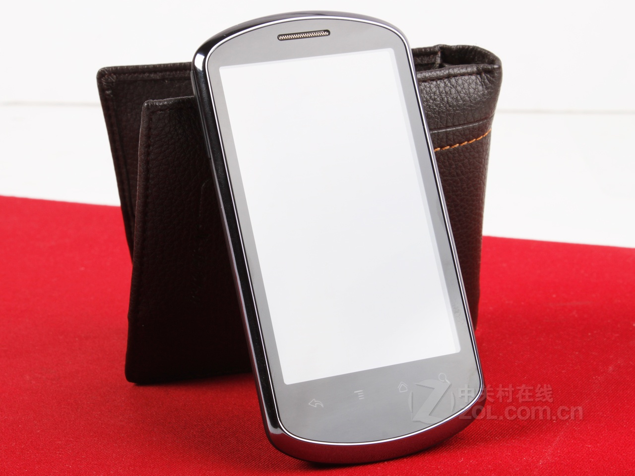 国产安卓价格小降 华为u8800低价促销