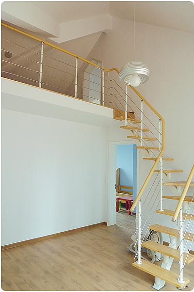 小客厅阁楼楼梯效果图