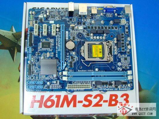 DIMM内存插槽,支持双通道DDR3 800/1066/1333内存规格,最高支持到16GB容量。  磁盘接口 磁盘接口方面,主板支持4个SATA 3Gbps接口,最多支持8个USB2.0接口(4个在后方面板,4个需经由排线从主板内USB插座接出)。另外,主板还采用支持3TB+硬盘容量的双BIOS设计,完全免去用户未来升级的顾虑。  扩展插槽 扩展插槽方面,主板提供1个PCI-E 2.