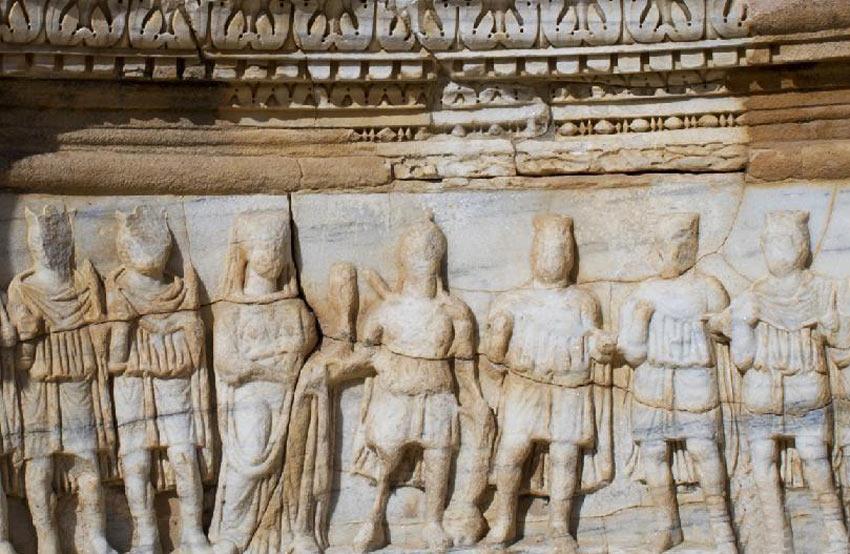 这是位于利比亚首都的黎波里以西的古罗马时期撒卜拉塔古城遗址内的