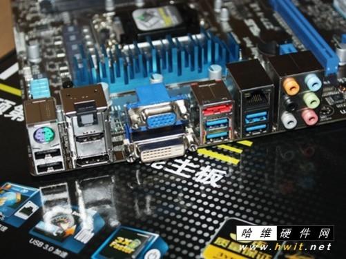 华硕主板p8z77-v le硬盘接口怎么只有一个,我还有一个