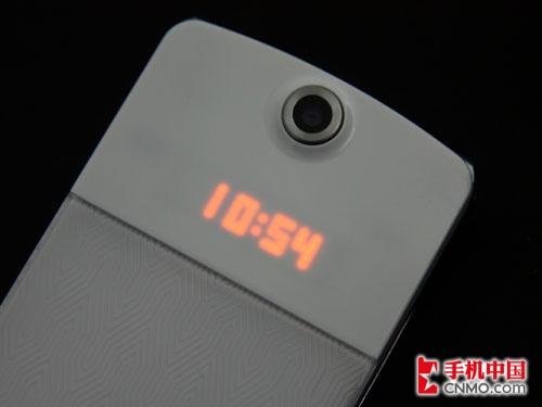 """""""冰淇淋""""kf350手机外屏的时钟显示功能; 甜美可爱冰淇淋lgkf350; 正"""