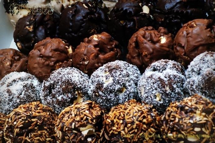 迷人的施内巴尔(Schneeballen)巧克力坚果球