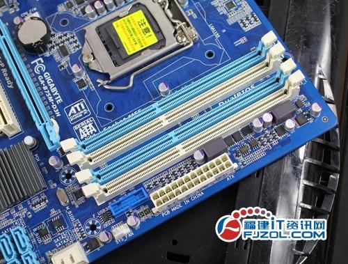 1声道音频输出,显示输出部分提供了vga,dvi和hdmi接口.