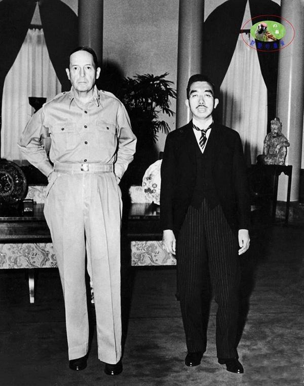 日本裕仁天皇访问美国大使馆。 815 不看京东
