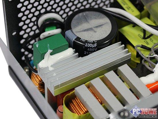 ...电容,为电源提供纯净的电流.电源采用的是质量优良的大电容...