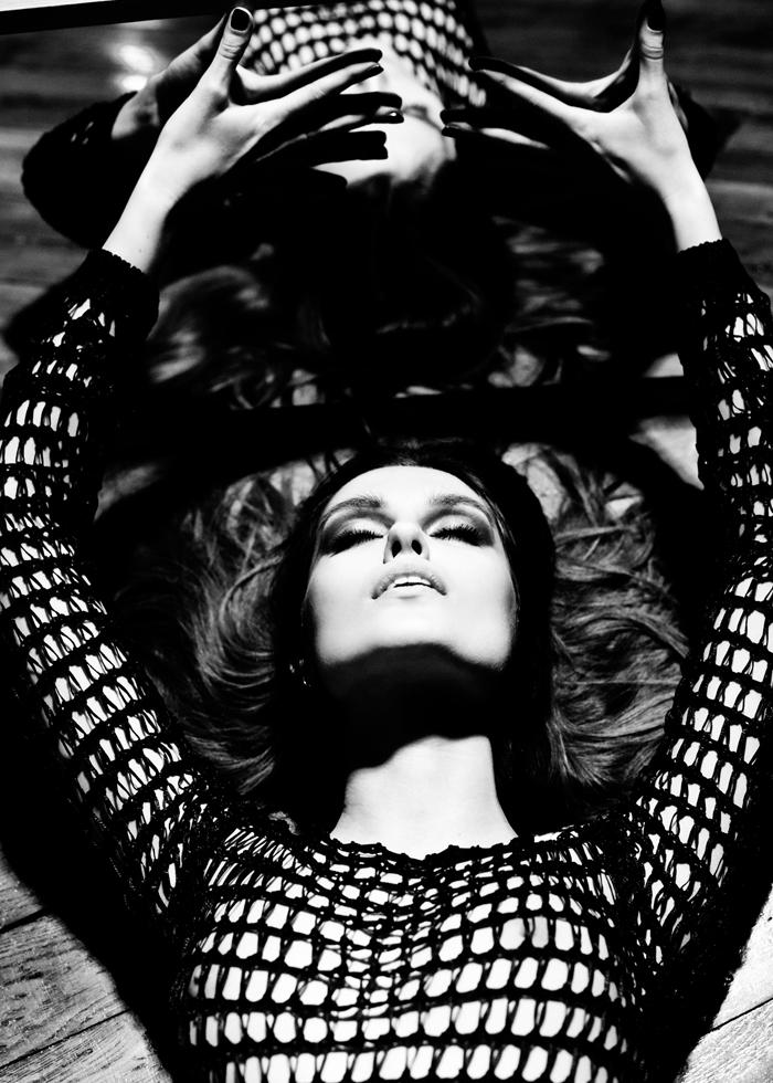 加分的阴影法则:黑白时尚人像摄影佳作 组图