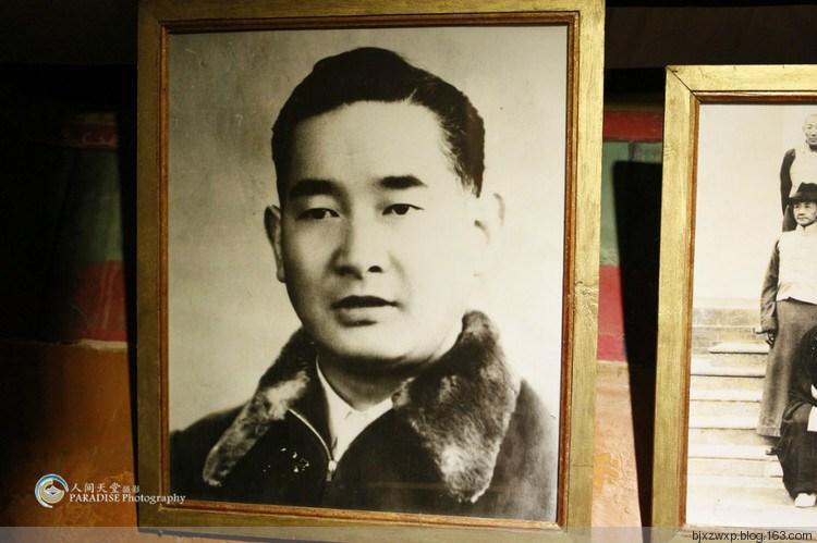 这位就是帕拉庄园主扎西旺久 窥探旧西藏极度奢靡的贵族生...