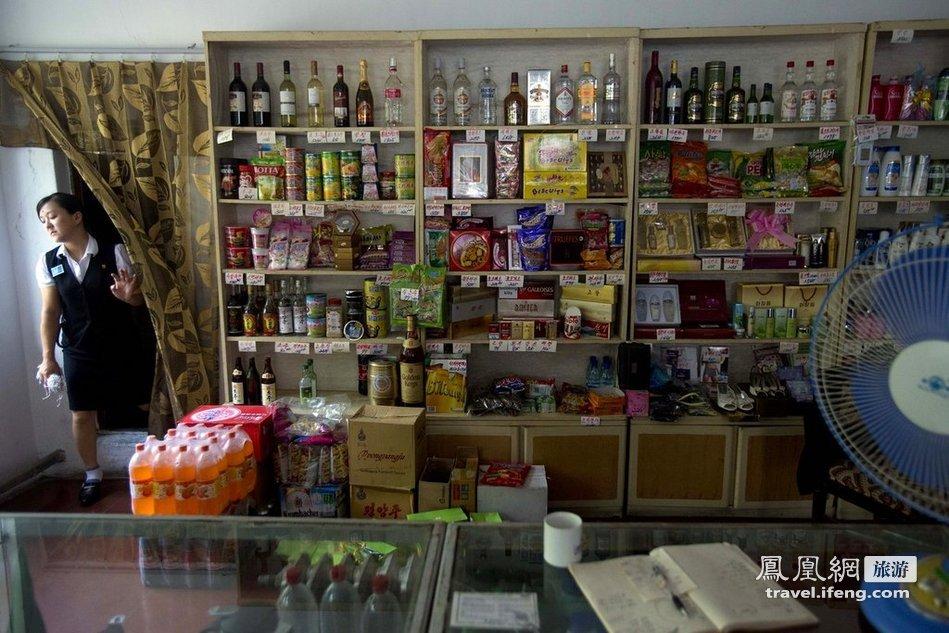 一面向外国顾客开的小商店