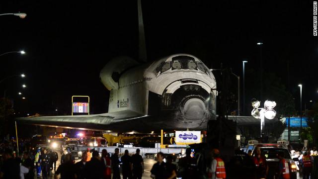 洛杉矶街头巡礼 奋进号航天飞机退役 组图