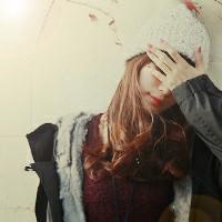 含蓄的以手遮脸女生头像图片